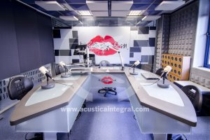 Verbesserte Behandlungs absorbierenden Radio-Studio in Madrid