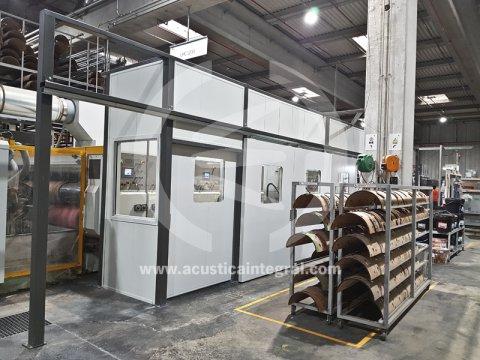 Apantallamiento acústico en fábrica de embalajes